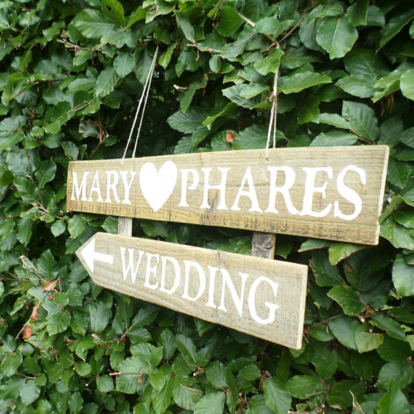 Direct your guests to your wedding with this stylish personalised wedding sign by six0six design 7
