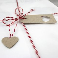 elegant simple gift wrapping for your print